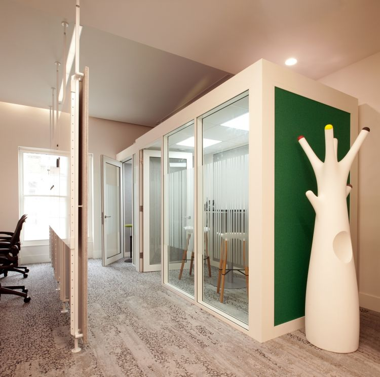 Private calling rooms in modern office design