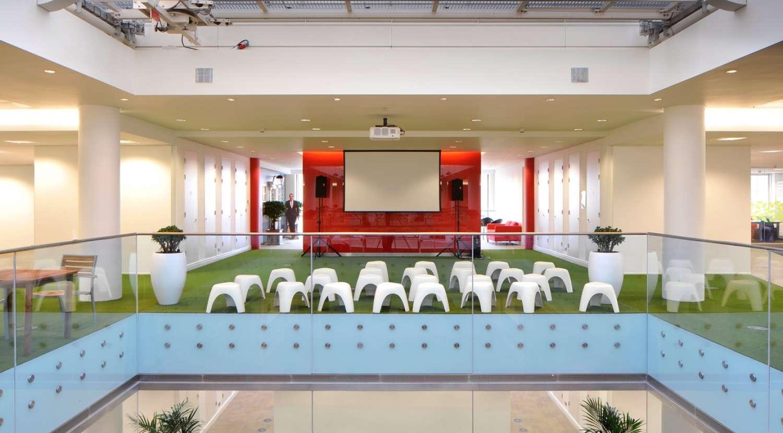 Indoor sun garden is centrepiece in the office design at Rackspace