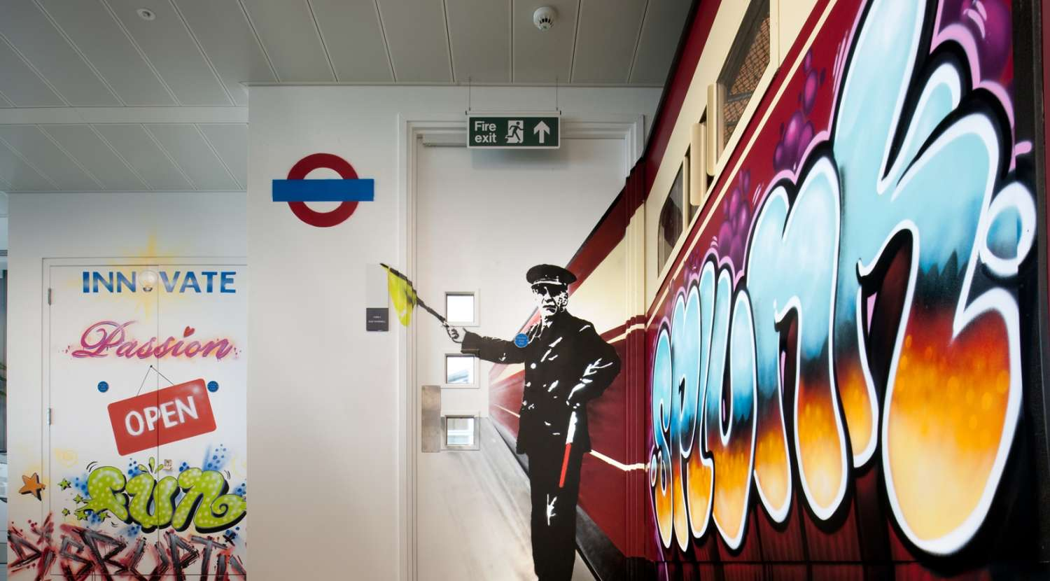 Bespoke graffiti and artworks around the office fit out for Splunk
