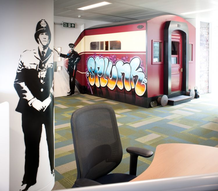 This full-size tube carriage doubles as a meeting room / Design and fit out by Morgan Lovell