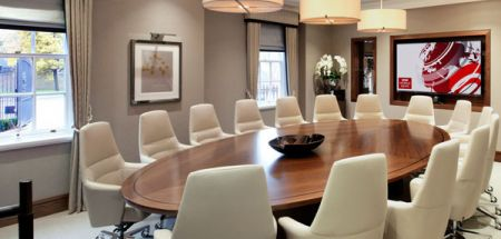 Meeting space influenced by a domestic dining room